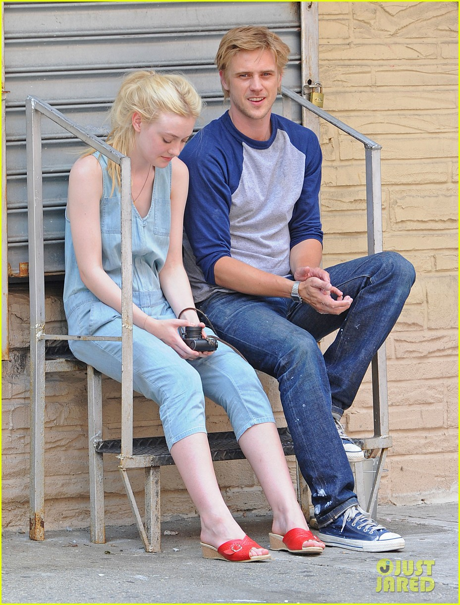 dakota fanning very good girls boyd holbrook 092683250