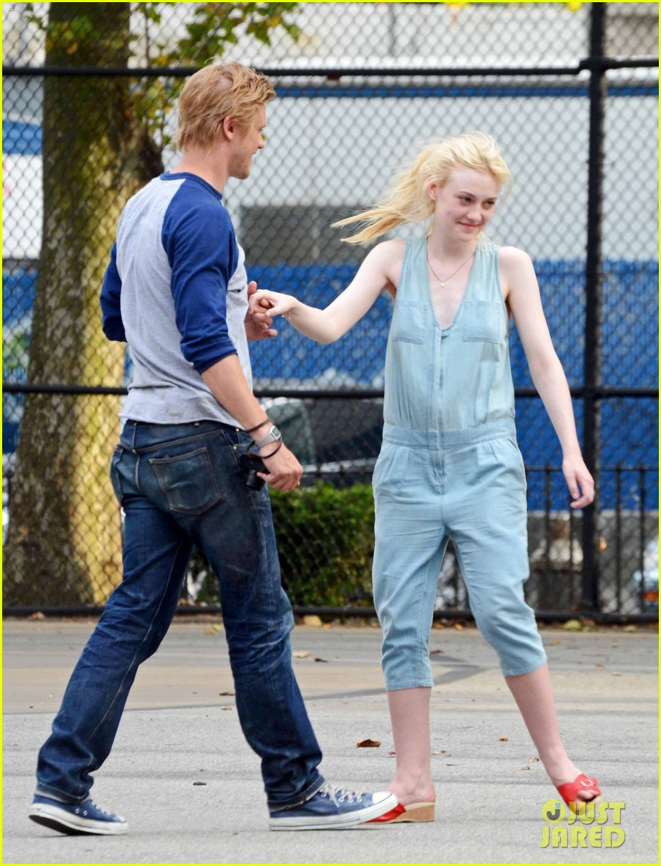 dakota fanning very good girls boyd holbrook 17