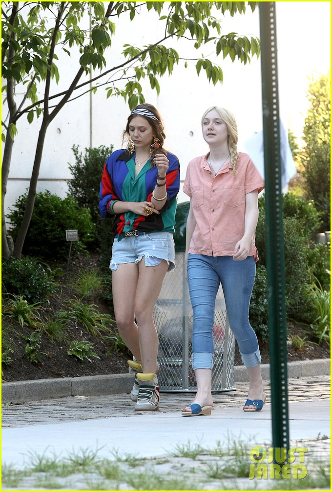 dakota fanning elizabeth olsen very good girls 092682084