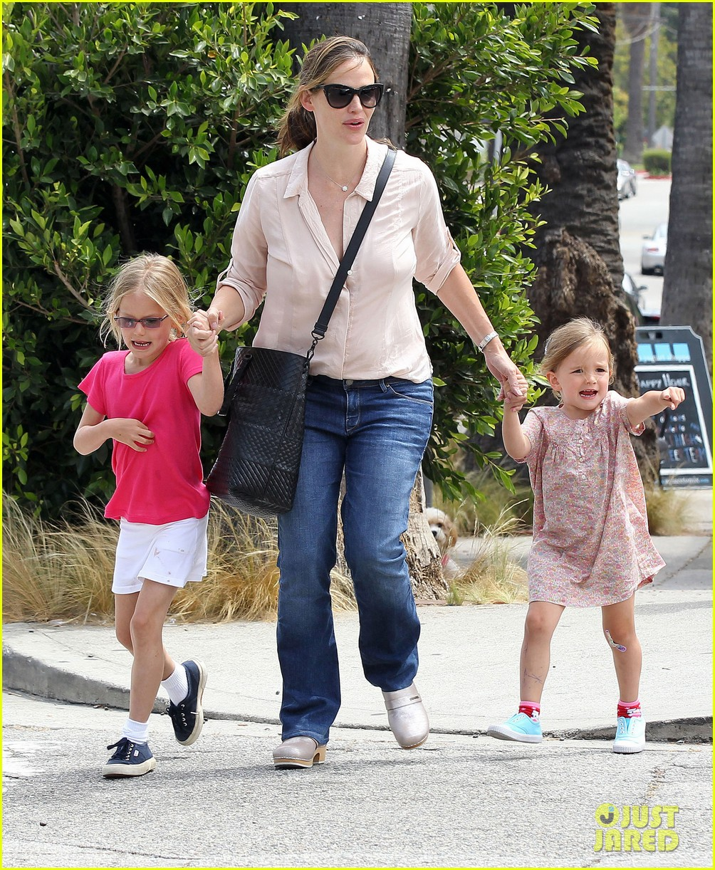jennifer garner girls day out 102682796