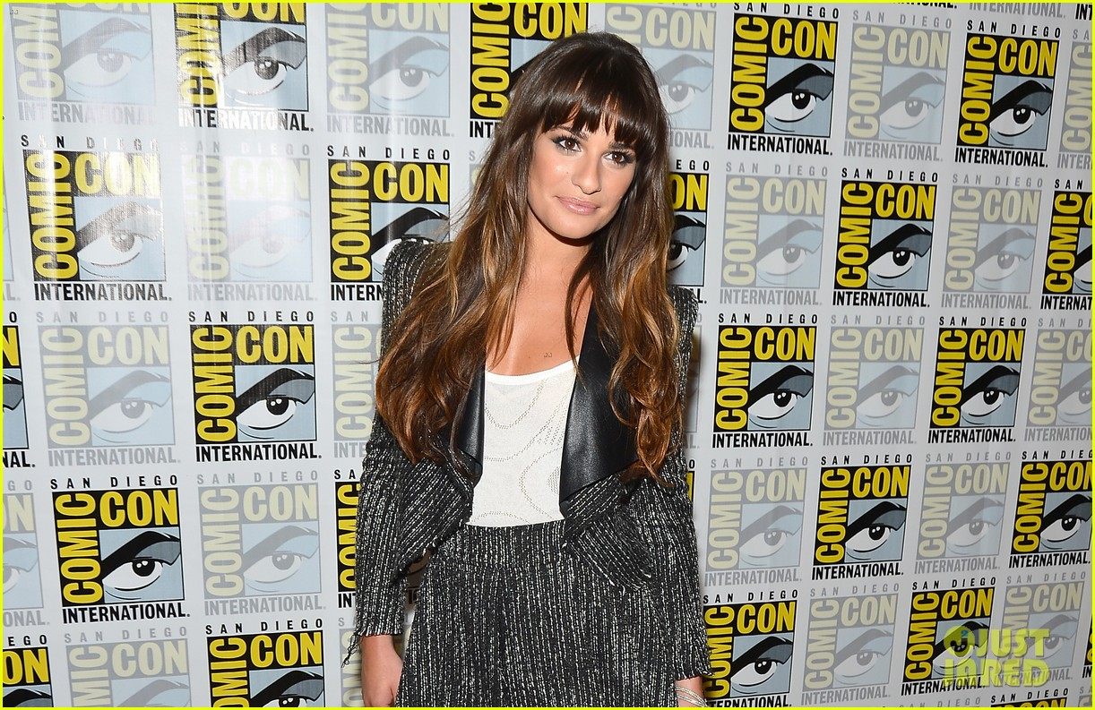 lea michele glee cast hits comic con 2012 19