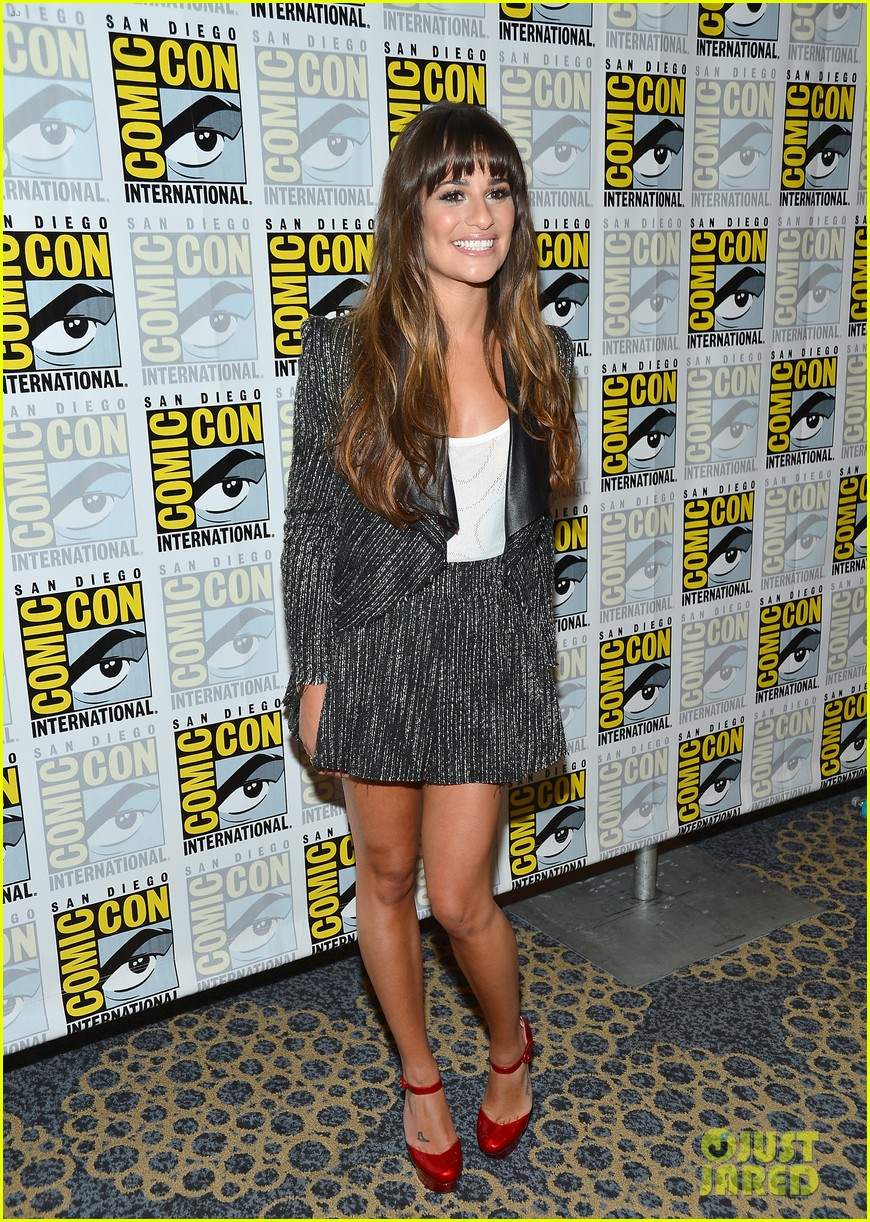 lea michele glee cast hits comic con 2012 24