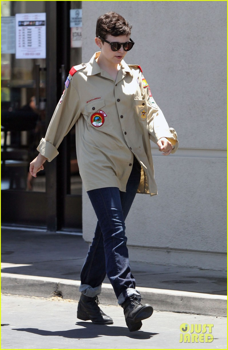 ginnifer goodwin josh dallas jack in the box 012683853