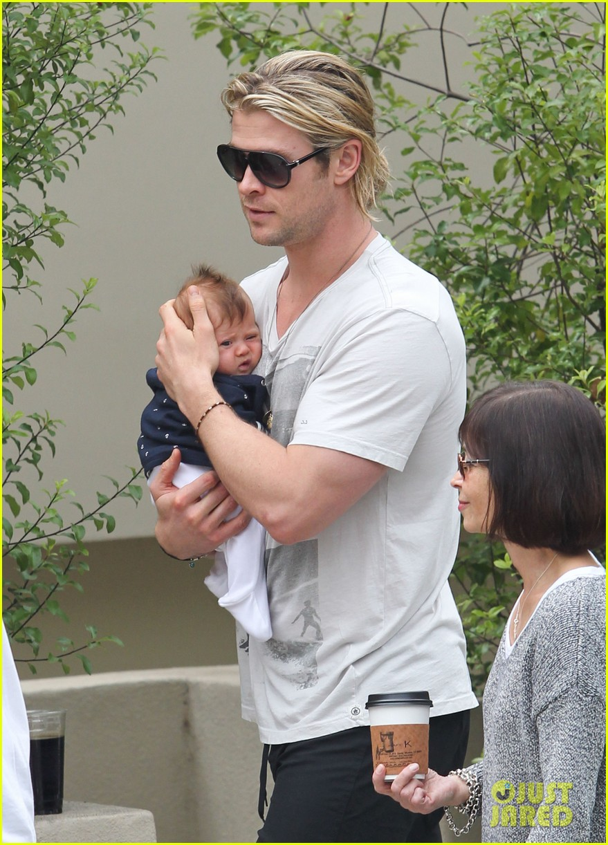 chris hemsworth elsa pataky kafe k india 21