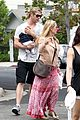chris hemsworth elsa pataky kafe k india 27