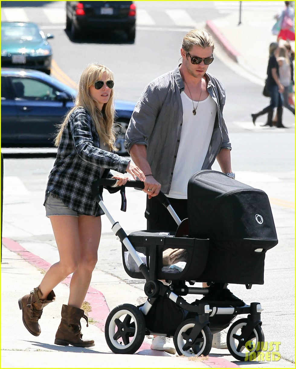 chris hemsworth elsa pataky santa monica stroll with baby india 052688648