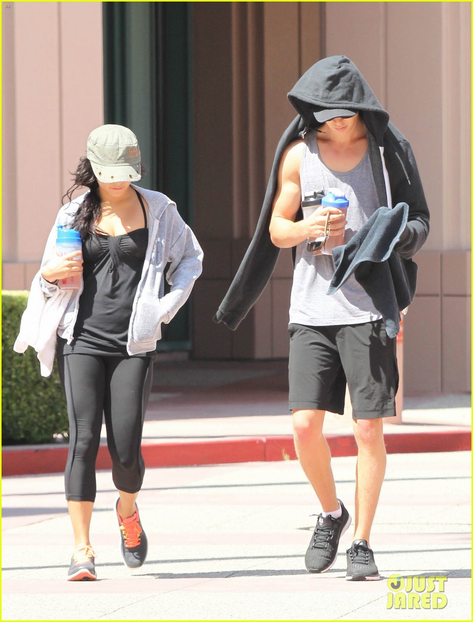 vanessa hudgens austin butler workout couple 052692389