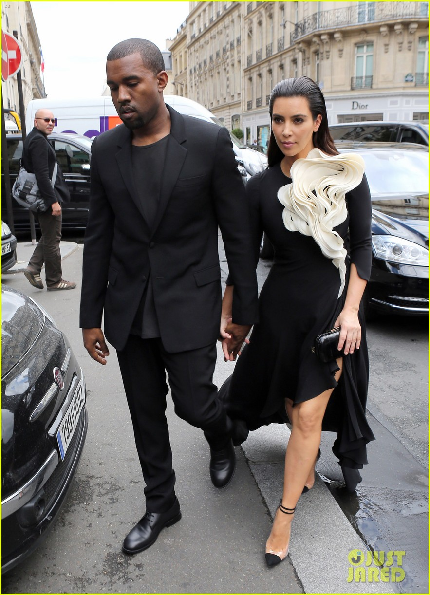 kim kardashian stephane rolland show with kanye west 10