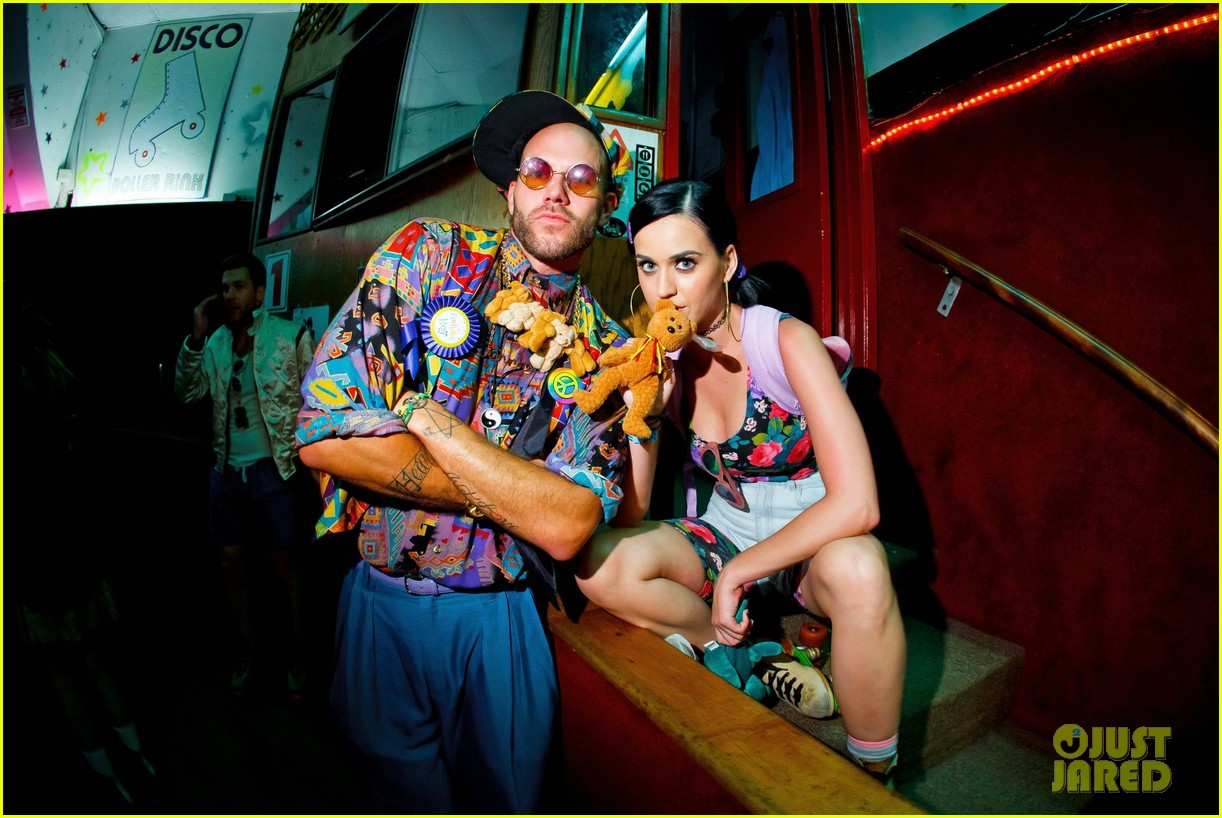 katy perry johnny wujek roller skating birthday party 03