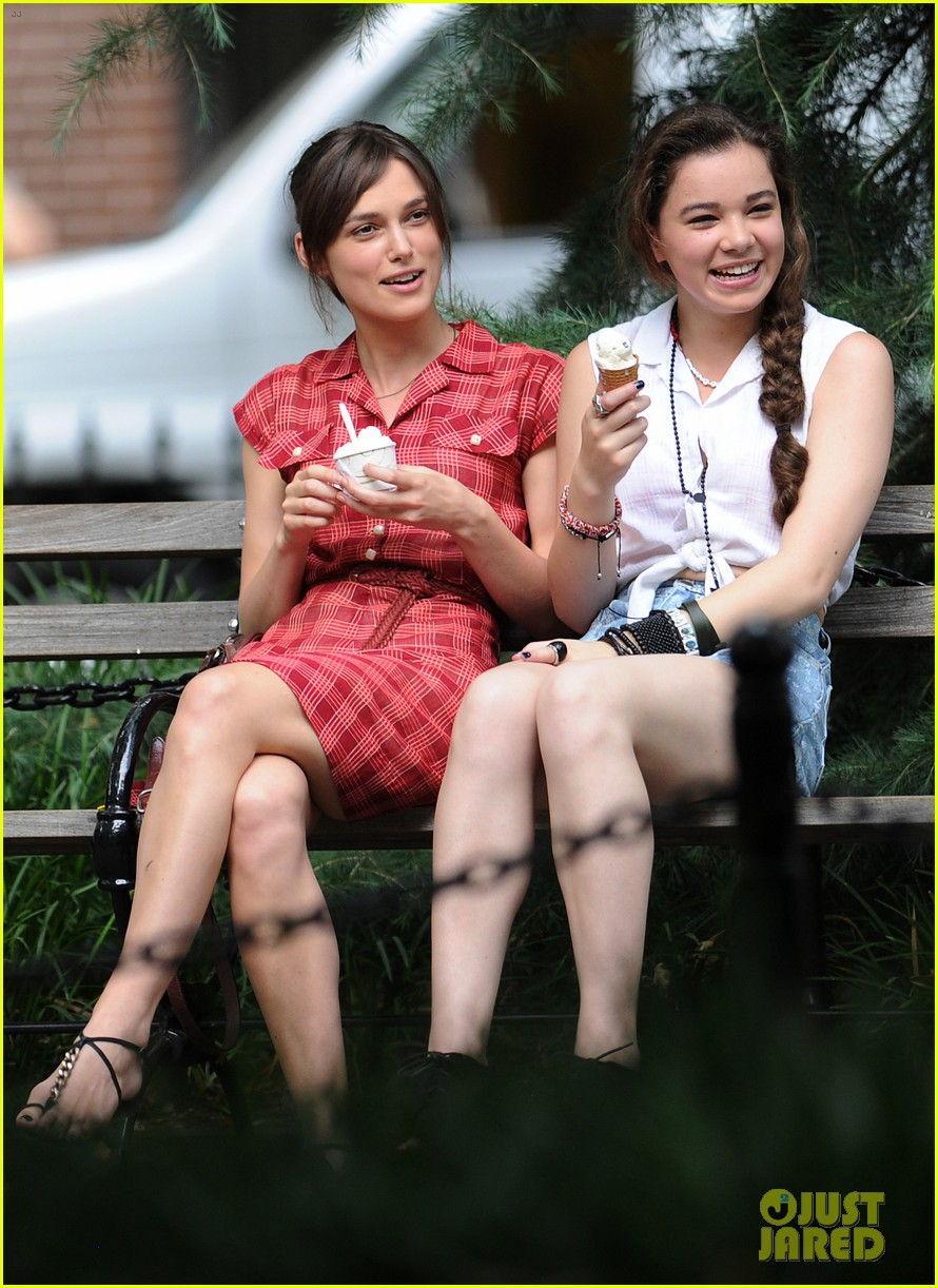 keira knightley mark ruffalo song ice cream break 03