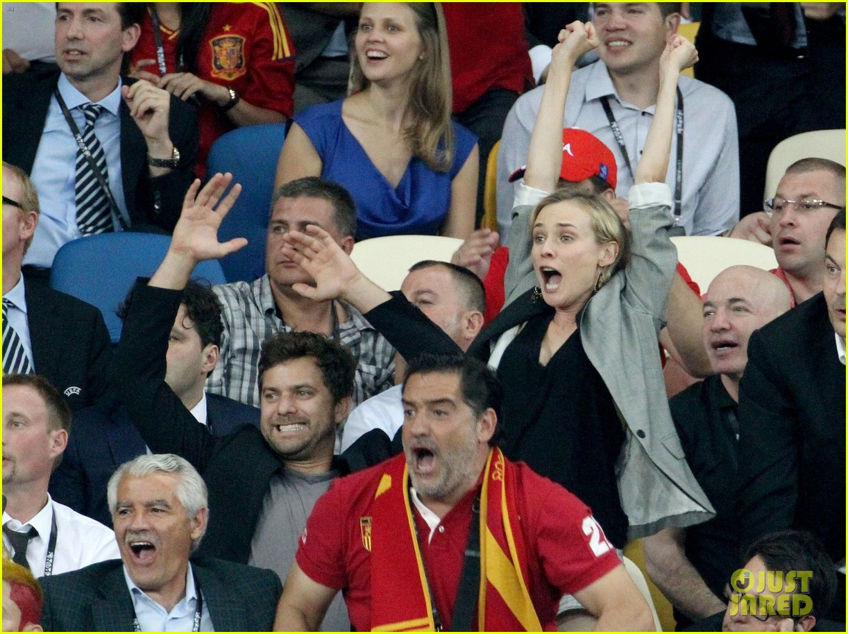 diane kruger joshua jackson cheer on spains win 01