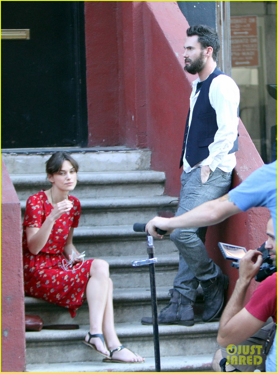 adam levine keira knightley song set 03