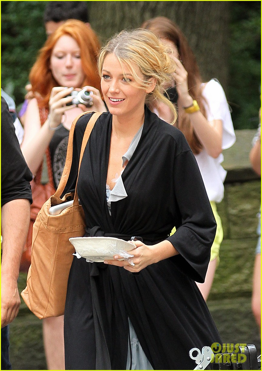 blake lively gossip girl fruit salad 032689732