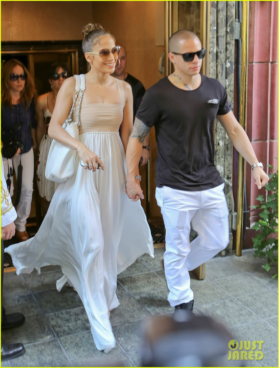 jennifer lopez birthday lunch with casper smart 01