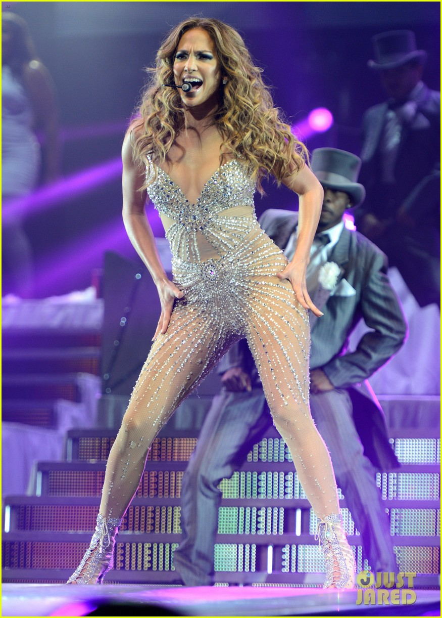 jennifer lopez launches concert tour after american idol exit 012688359