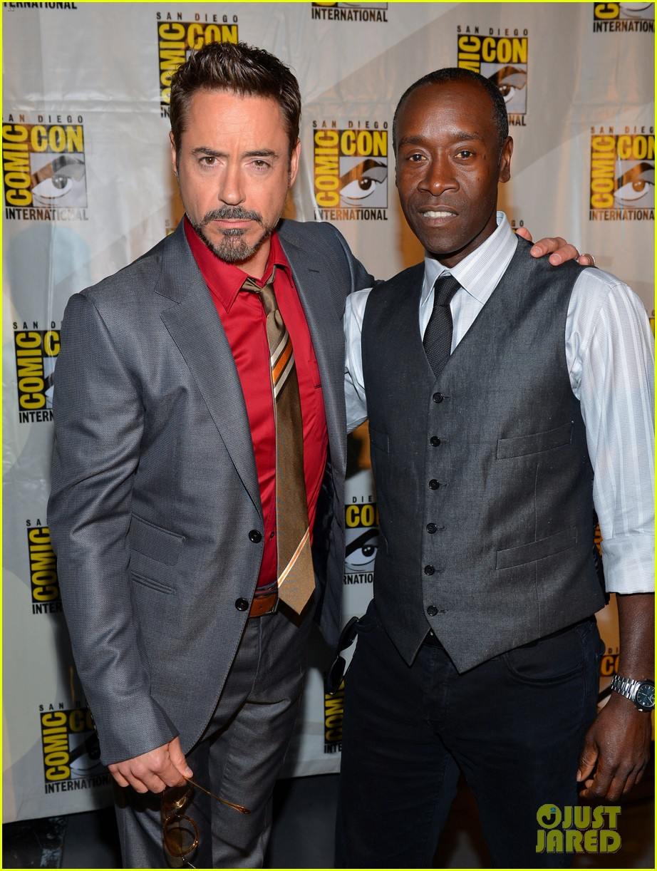 robert downey jr don cheadle marvel panel at comic con 02
