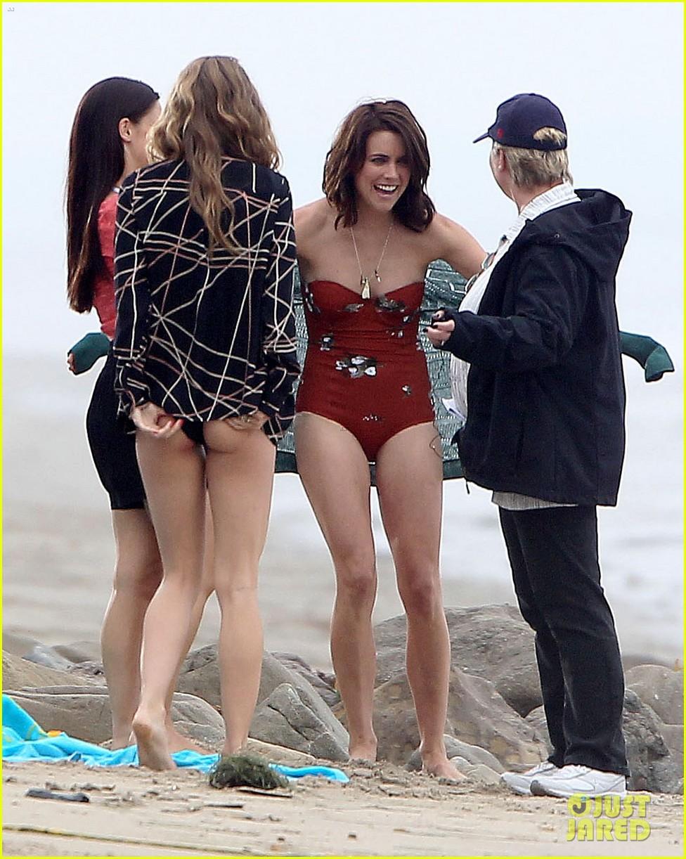 annalynne mccord jessica lowndes 90210 bikini babes 08