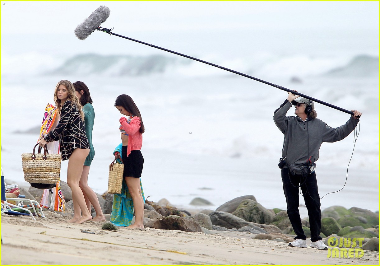 annalynne mccord jessica lowndes 90210 bikini babes 13
