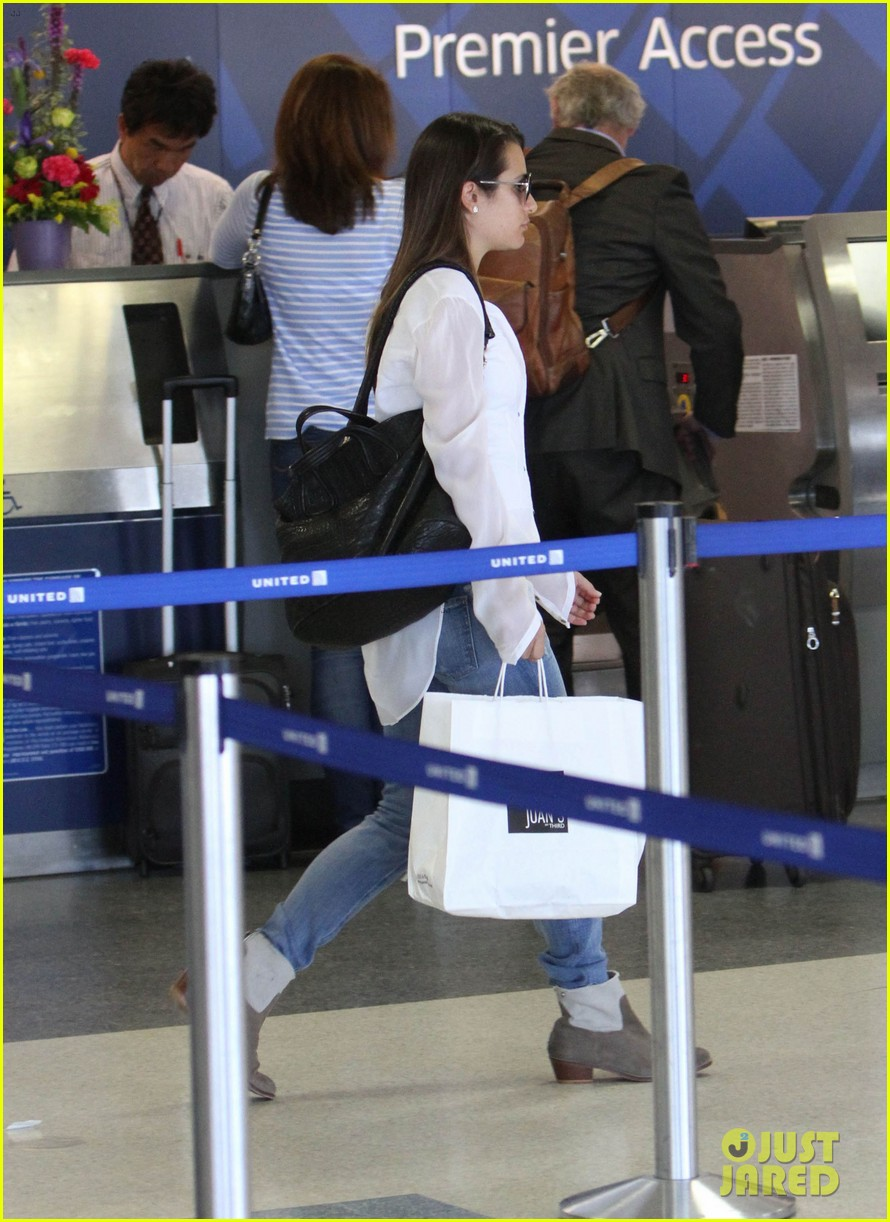 lea michele heads to nyc after glees emmy snub 17