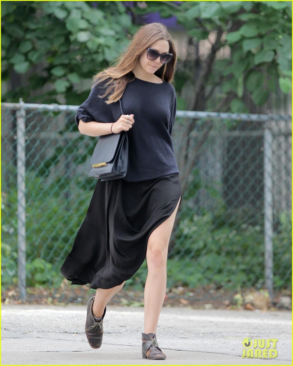 Full Sized Photo of elizabeth ashley olsen stylish in new ...