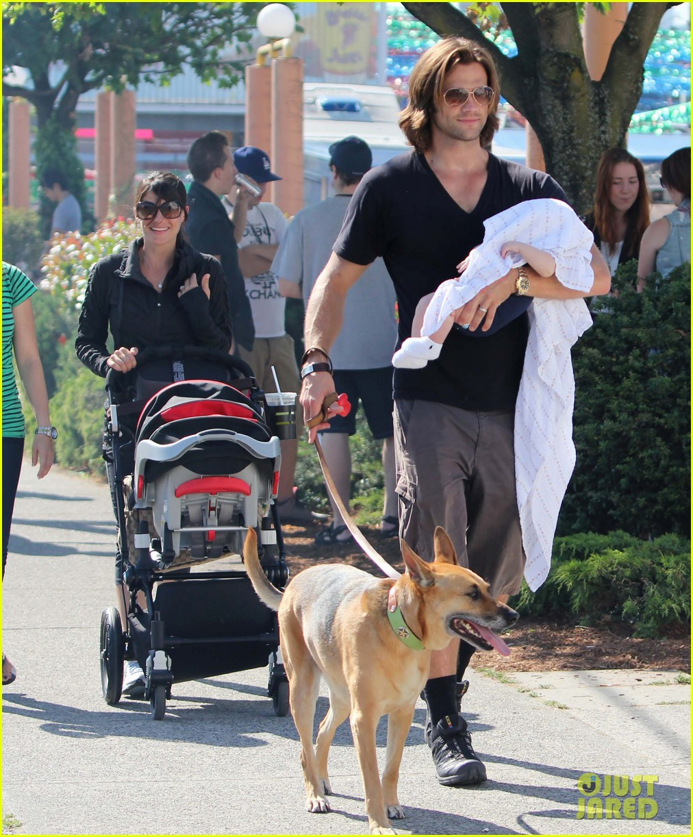 jared padalecki food festival with genevieve thomas 01