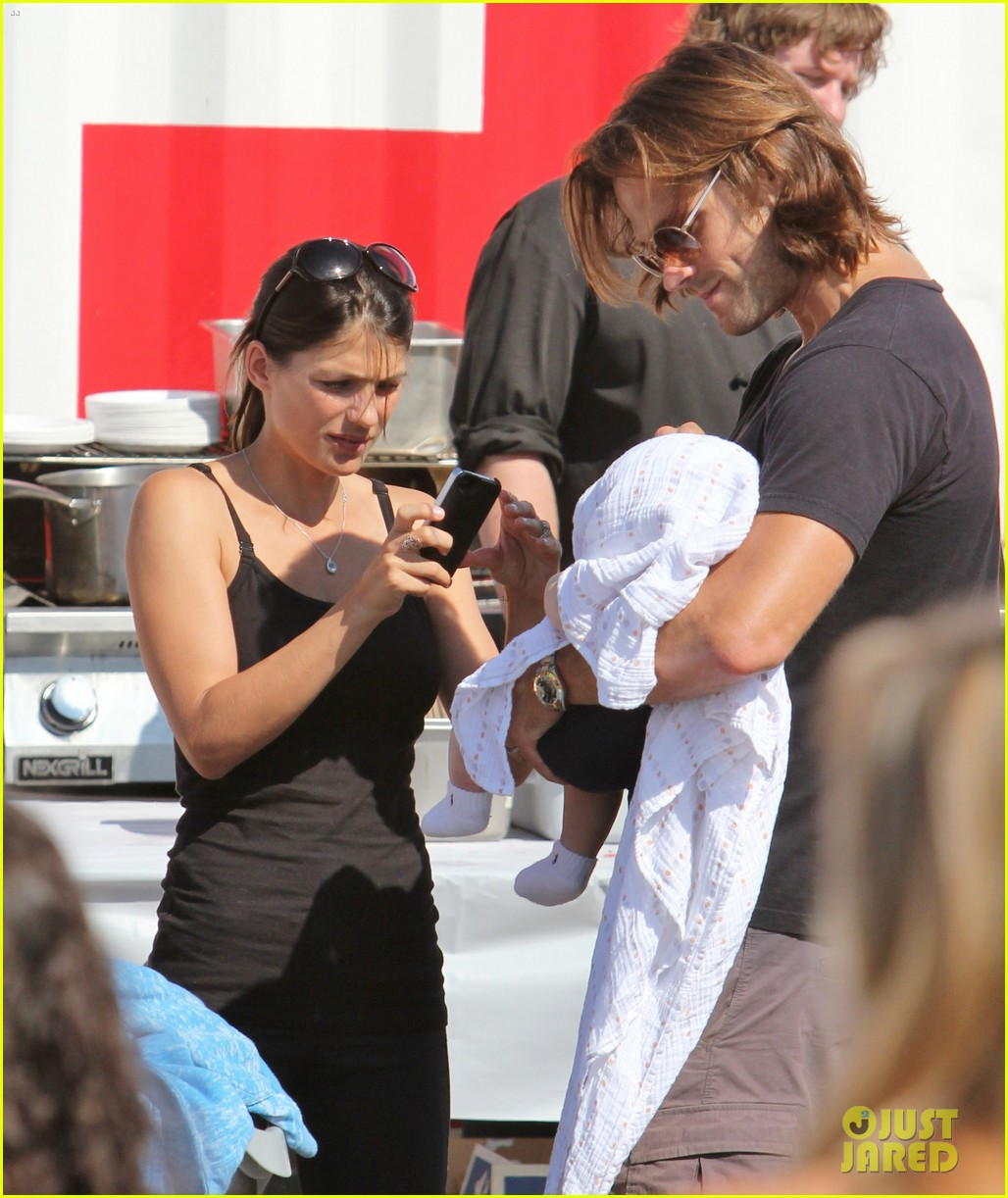 jared padalecki food festival with genevieve thomas 32