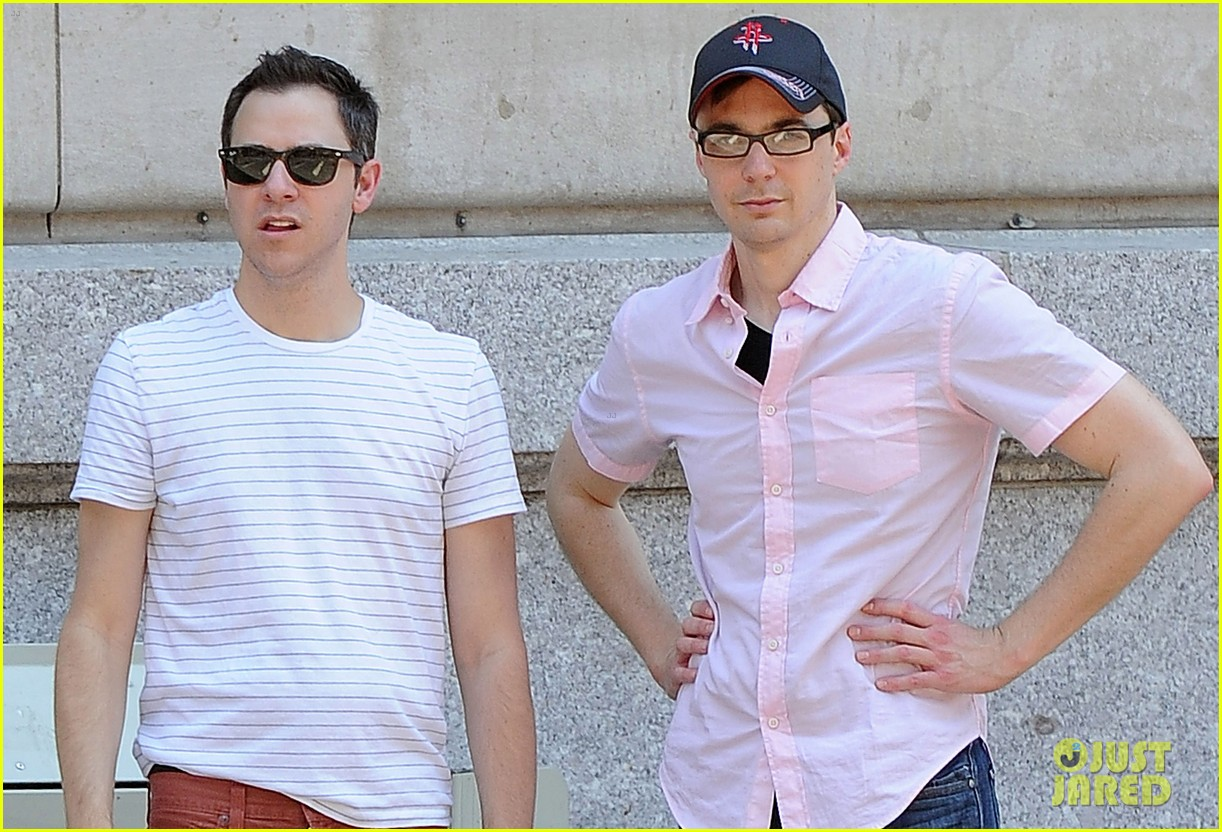 jim parsons lunch with pals 04