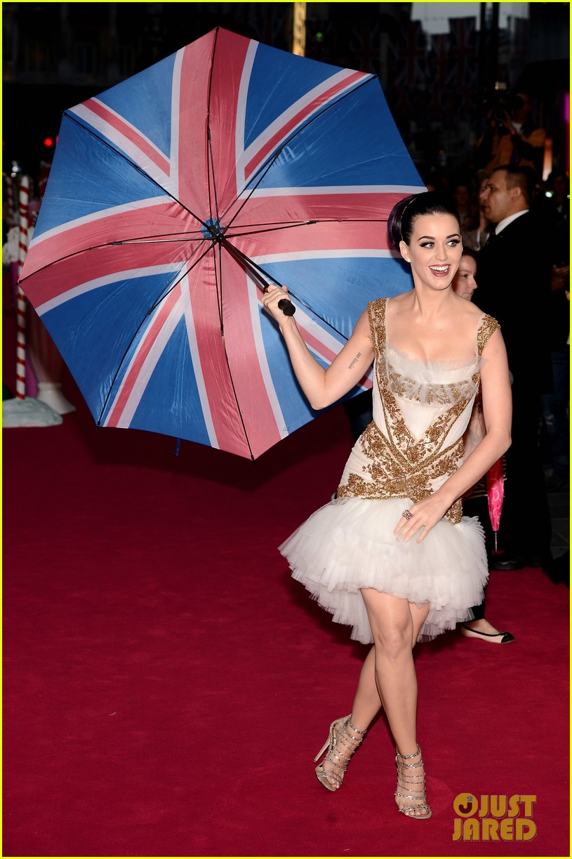 katy perry red white blue eyelashes at uk premiere 042682546