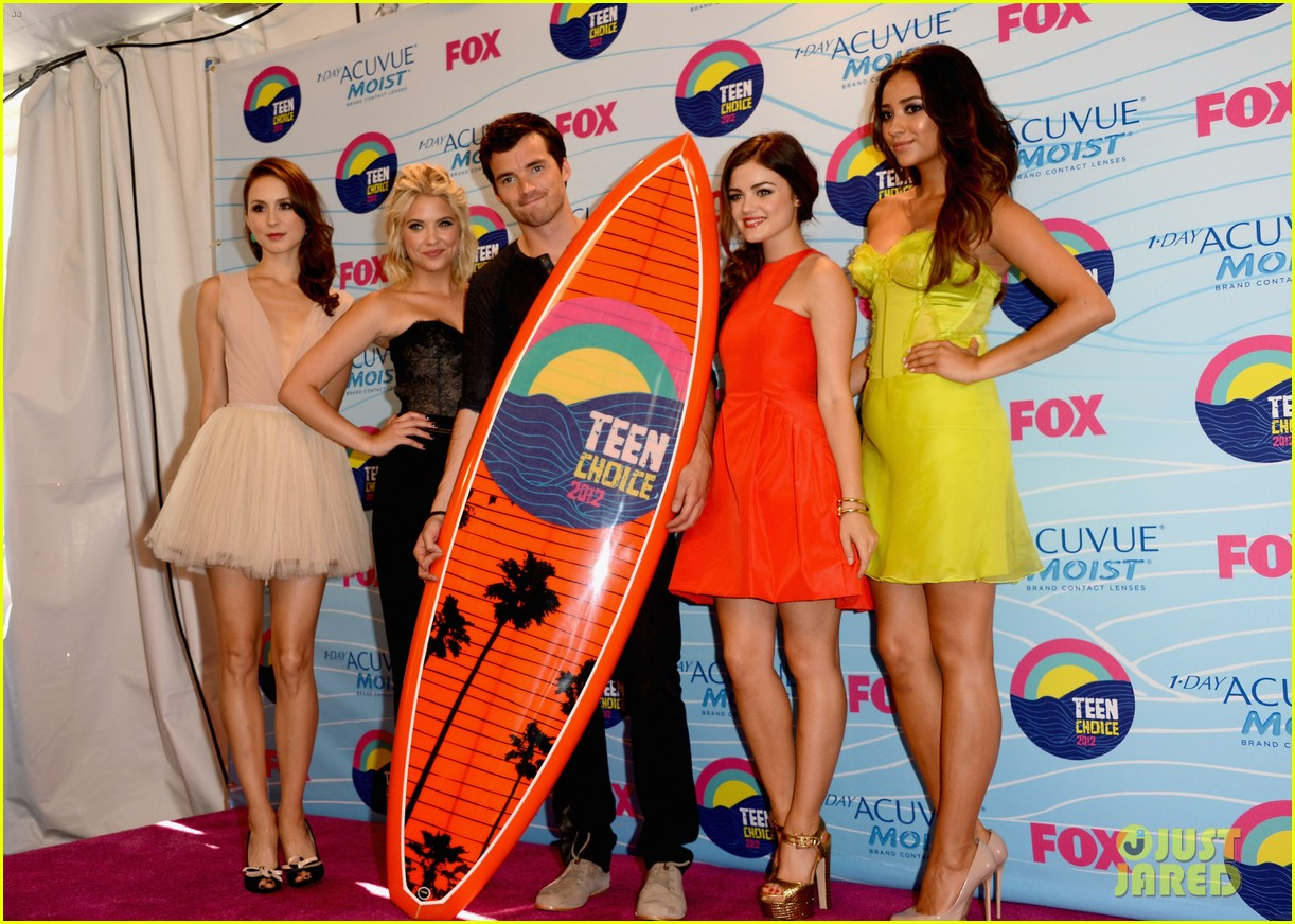 pretty little liars cast teen choice awards 2012 032690733