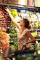 ellen pompeo whole foods grocery stop 04