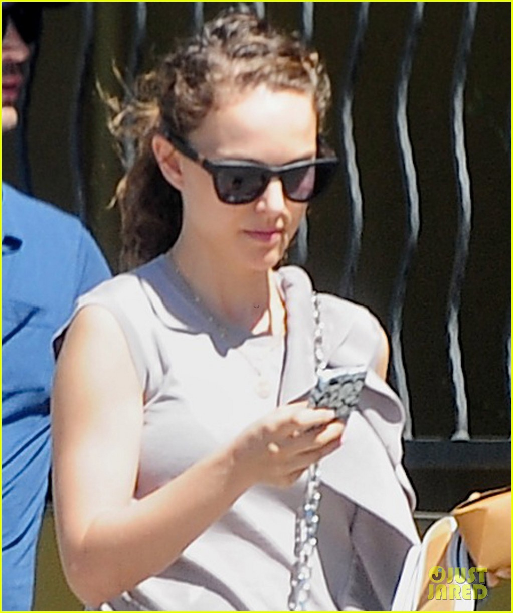 natalie portman square one lunch with the family 02