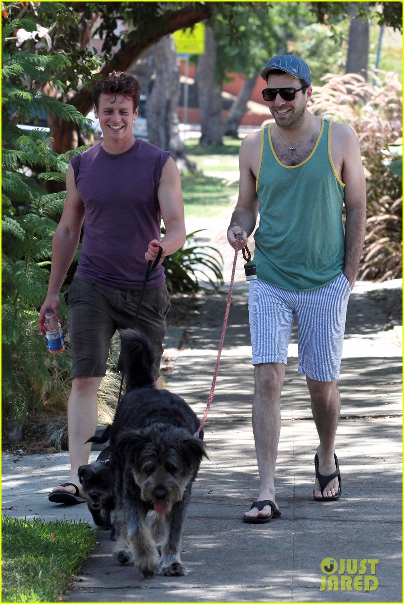 zachary quinto walking dogs 11