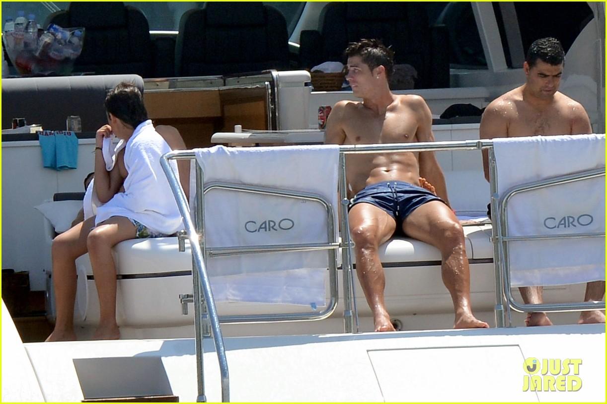 Irina Shayk Beach Ronaldo Irina Shayk Cristiano Ronaldo