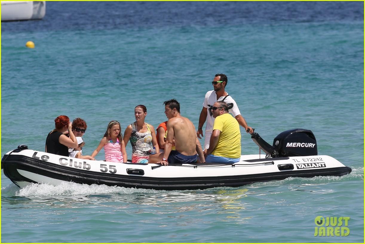 cristiano ronaldo irina shayk bangin beach bods 372682502