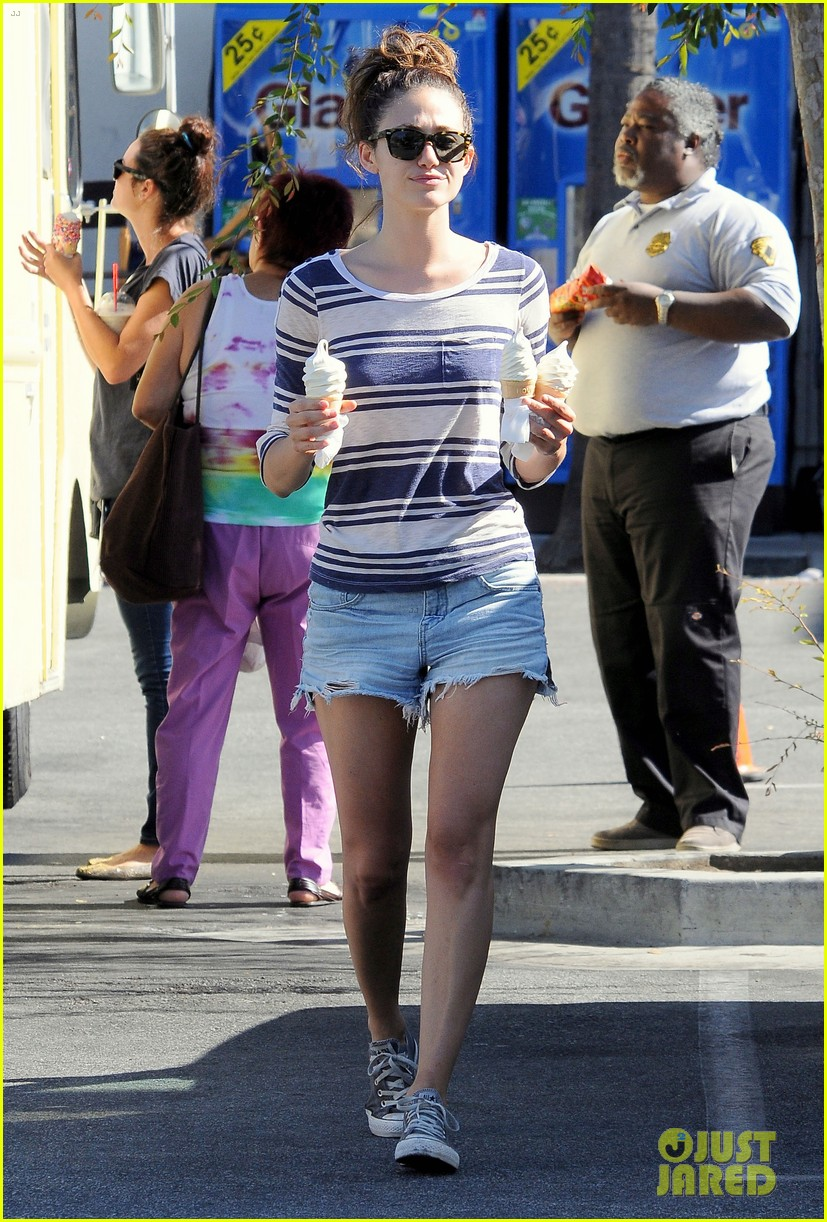emmy rossum ice cream cone cutie 16