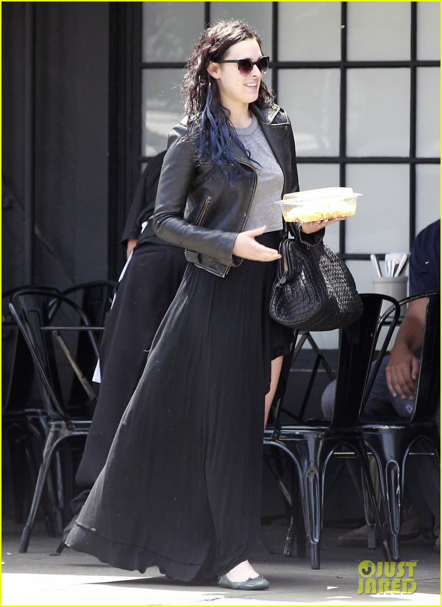 rumer willis bare lunch at joans 04
