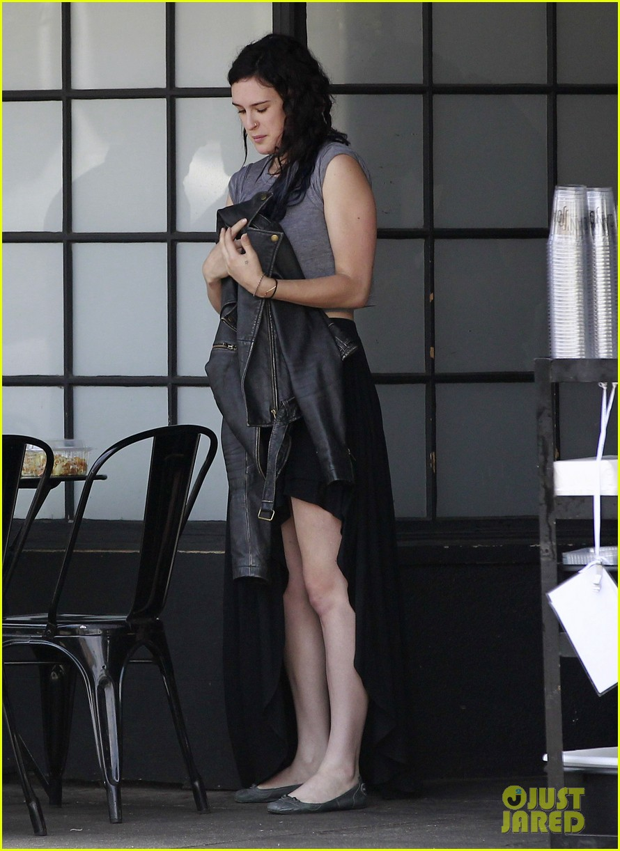 rumer willis bare lunch at joans 12