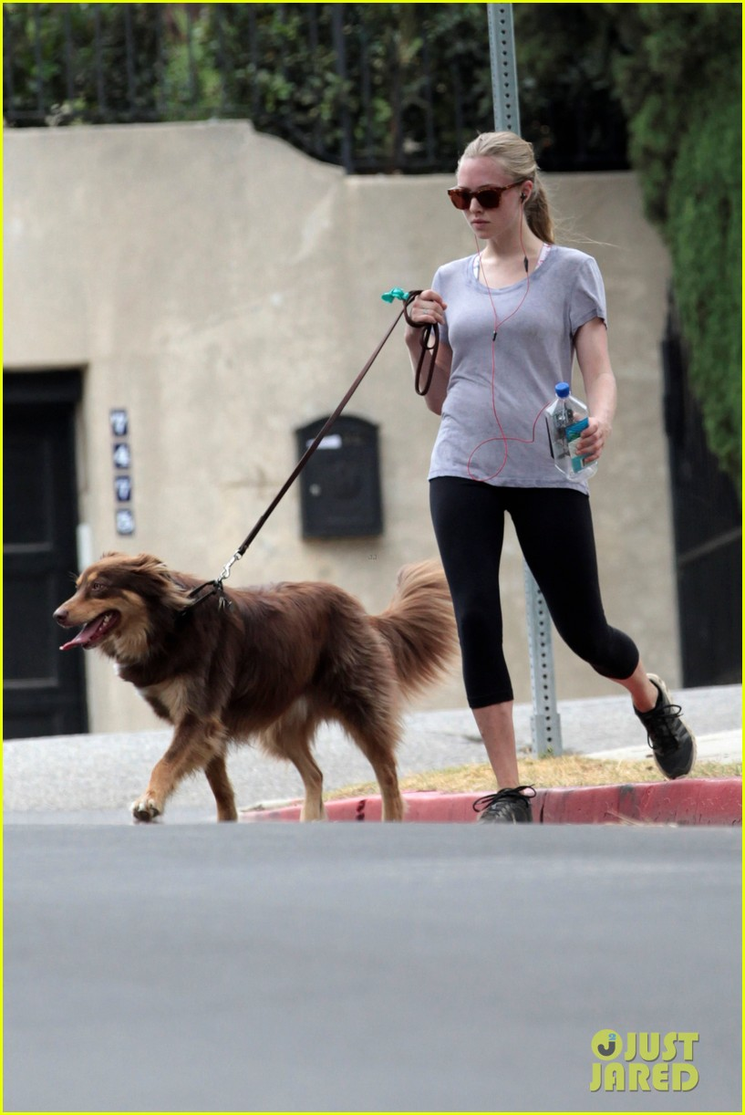 amanda seyfried keeping active 16