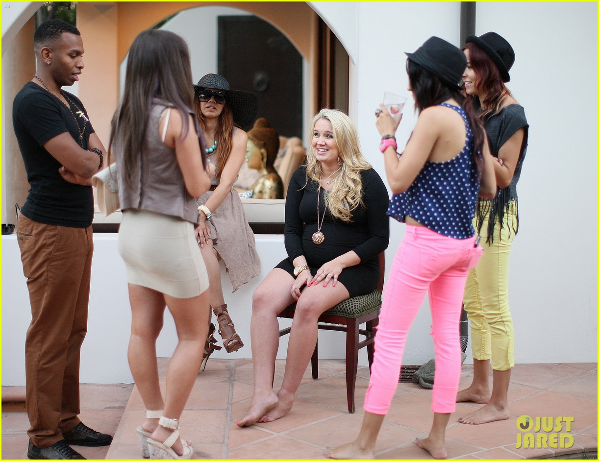 zac efron tiffany thornton baby shower 21