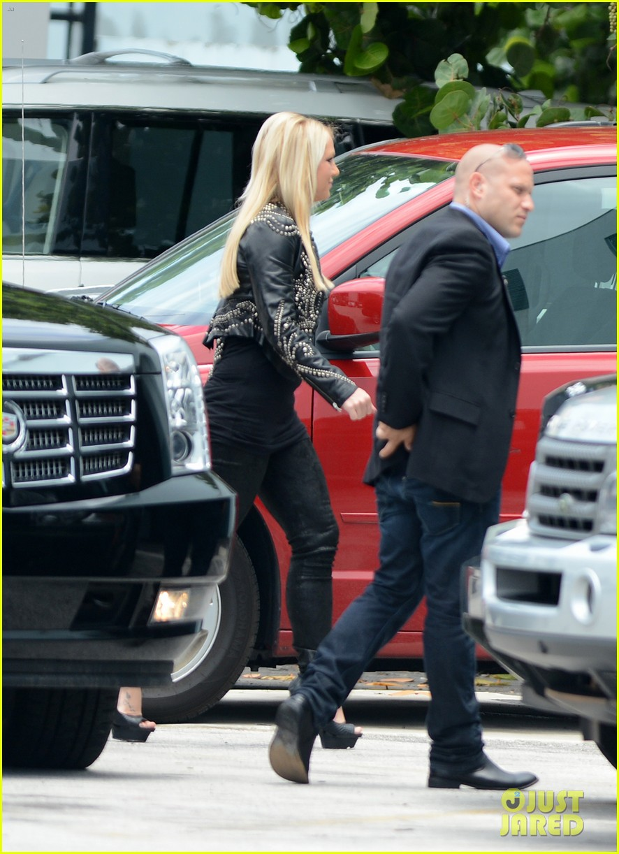 britney spears demi lovato x factor prep in miami 07