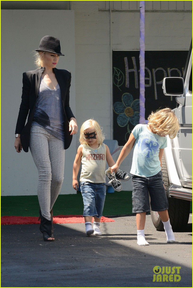 gwen stefani errands with boys 10