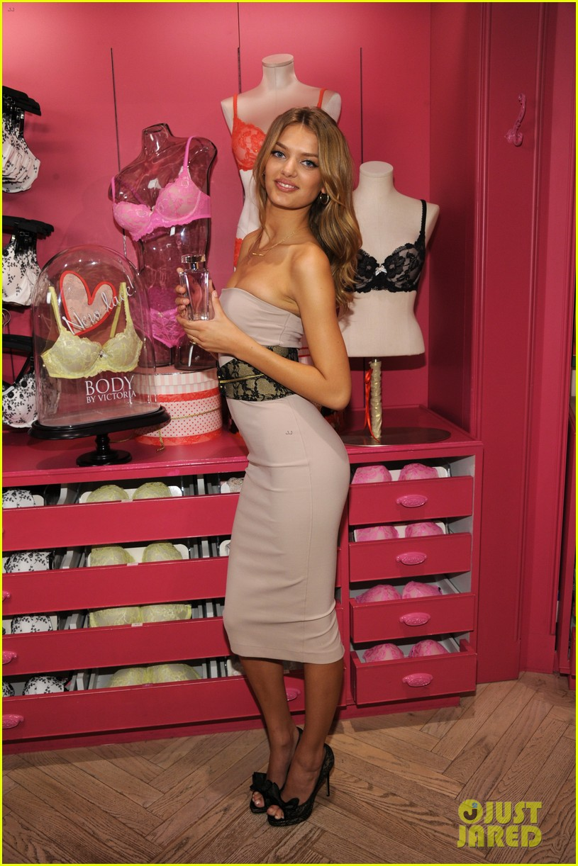 candice swanepoel body by victoria launch 032694884