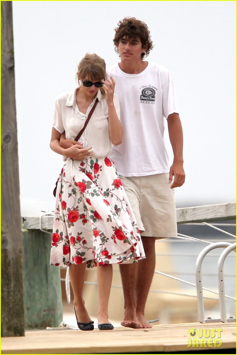 taylor swifts romantic weekend with conor kennedy pics 04