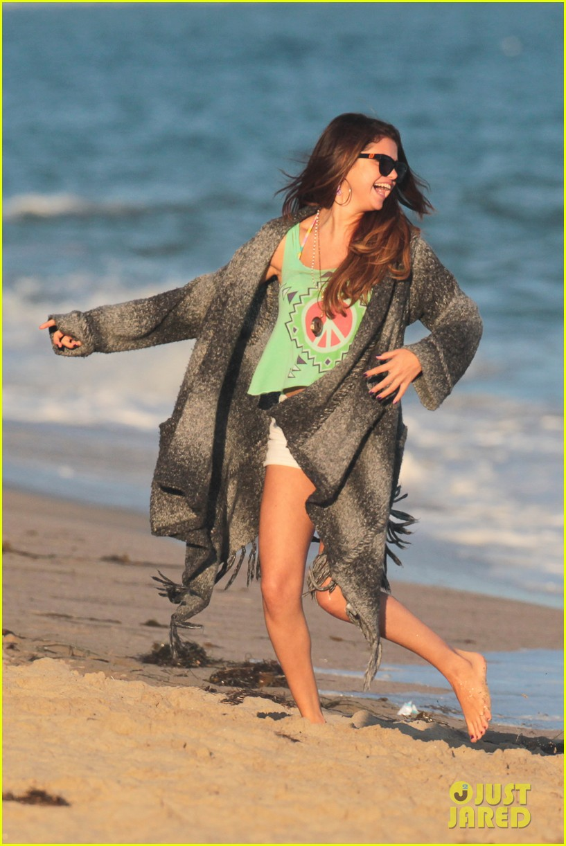 vanessa hudgens happy bikini birthday ashley tisdale 062682238