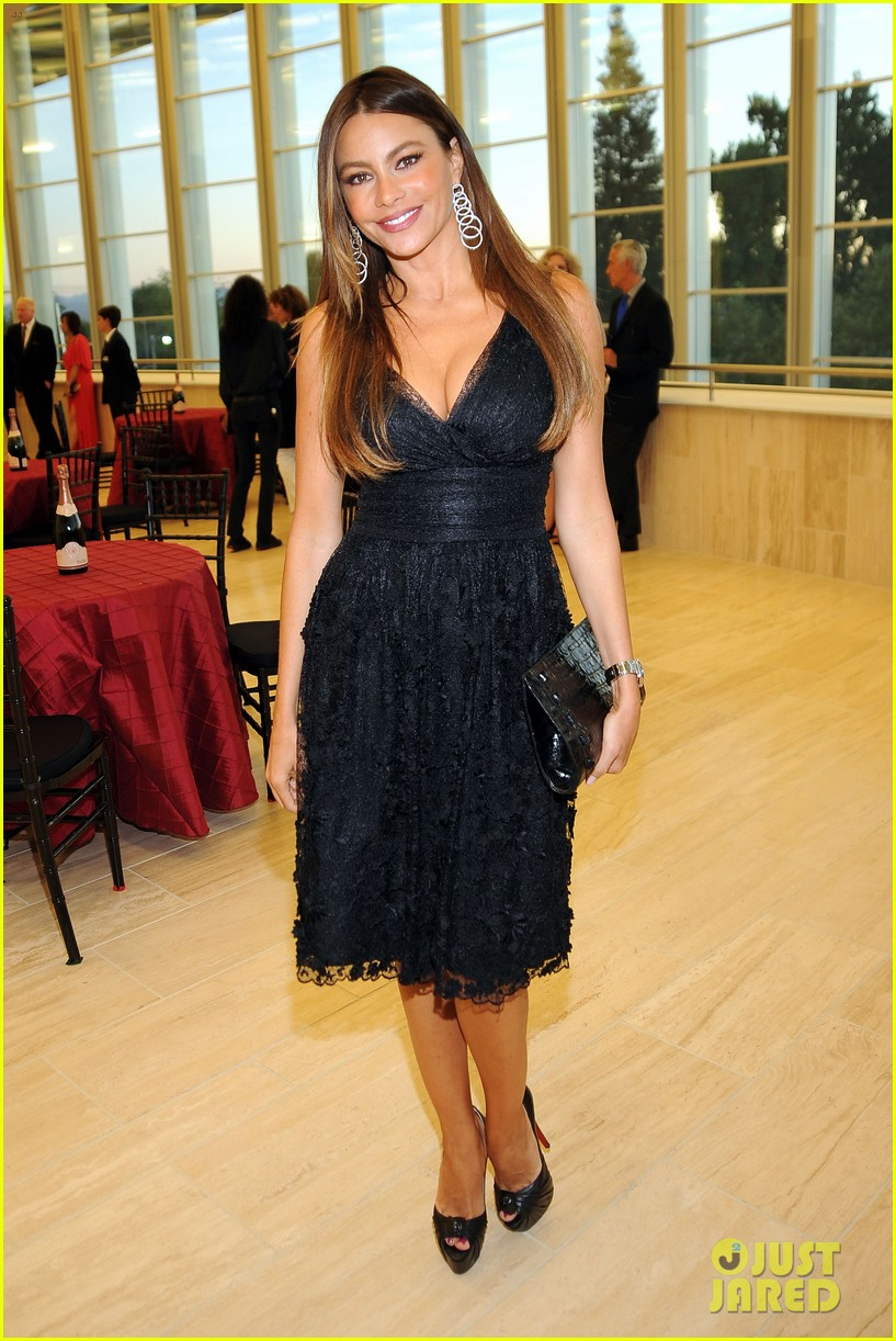 sofia vergara joffrey ballet school launch 05