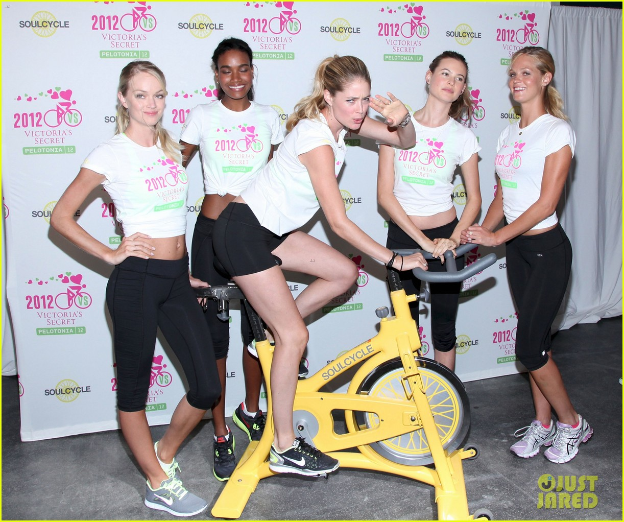 victorias secret angels soulcycle for cancer research 032686113