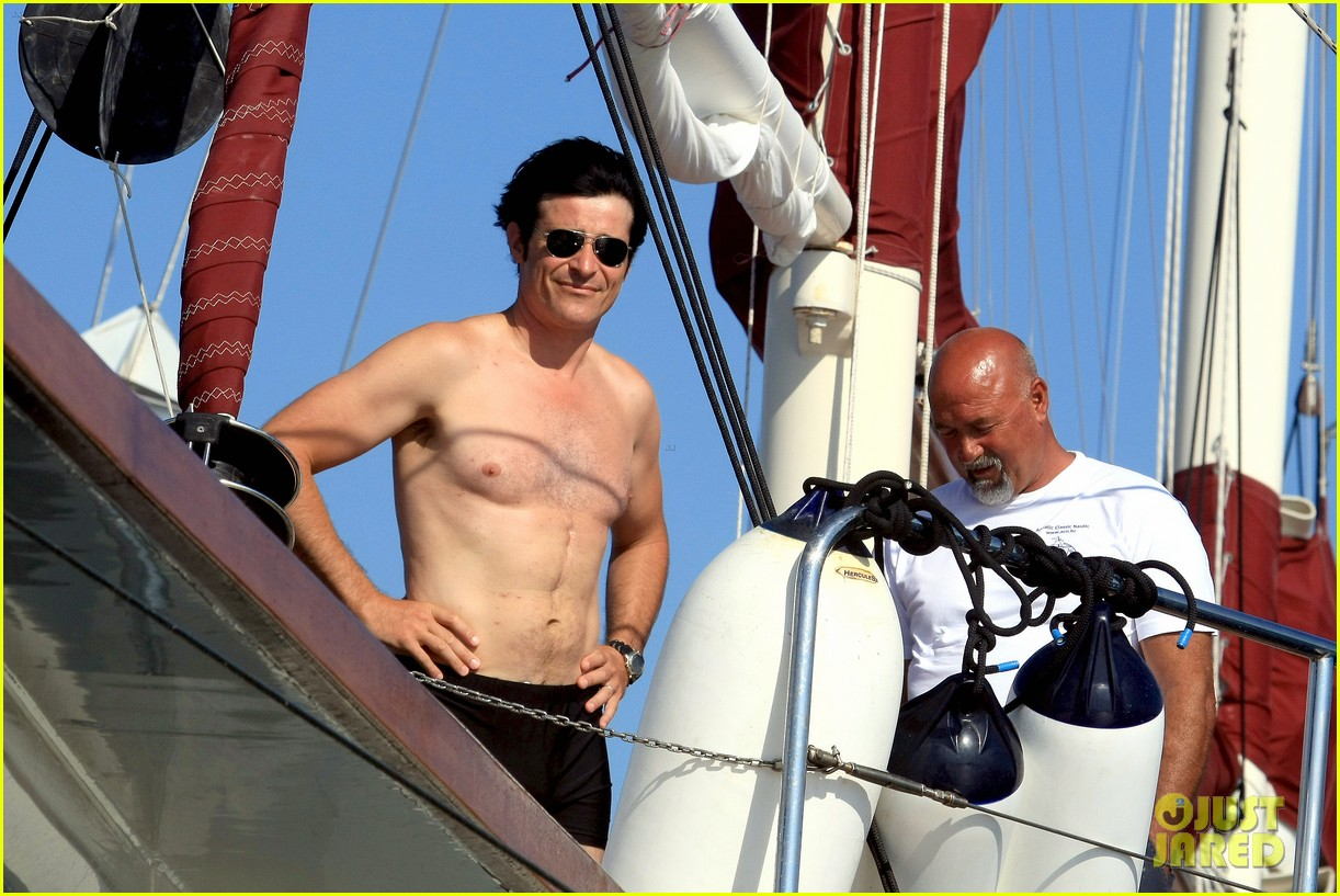 goran visjnic sailing shirtless 04