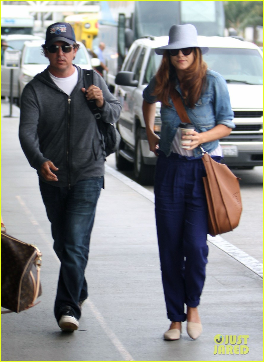 kate walsh airport arrival 04