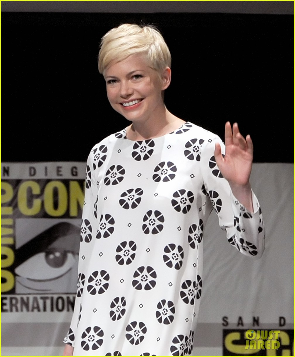 michelle williams mila kunis oz comic con 21