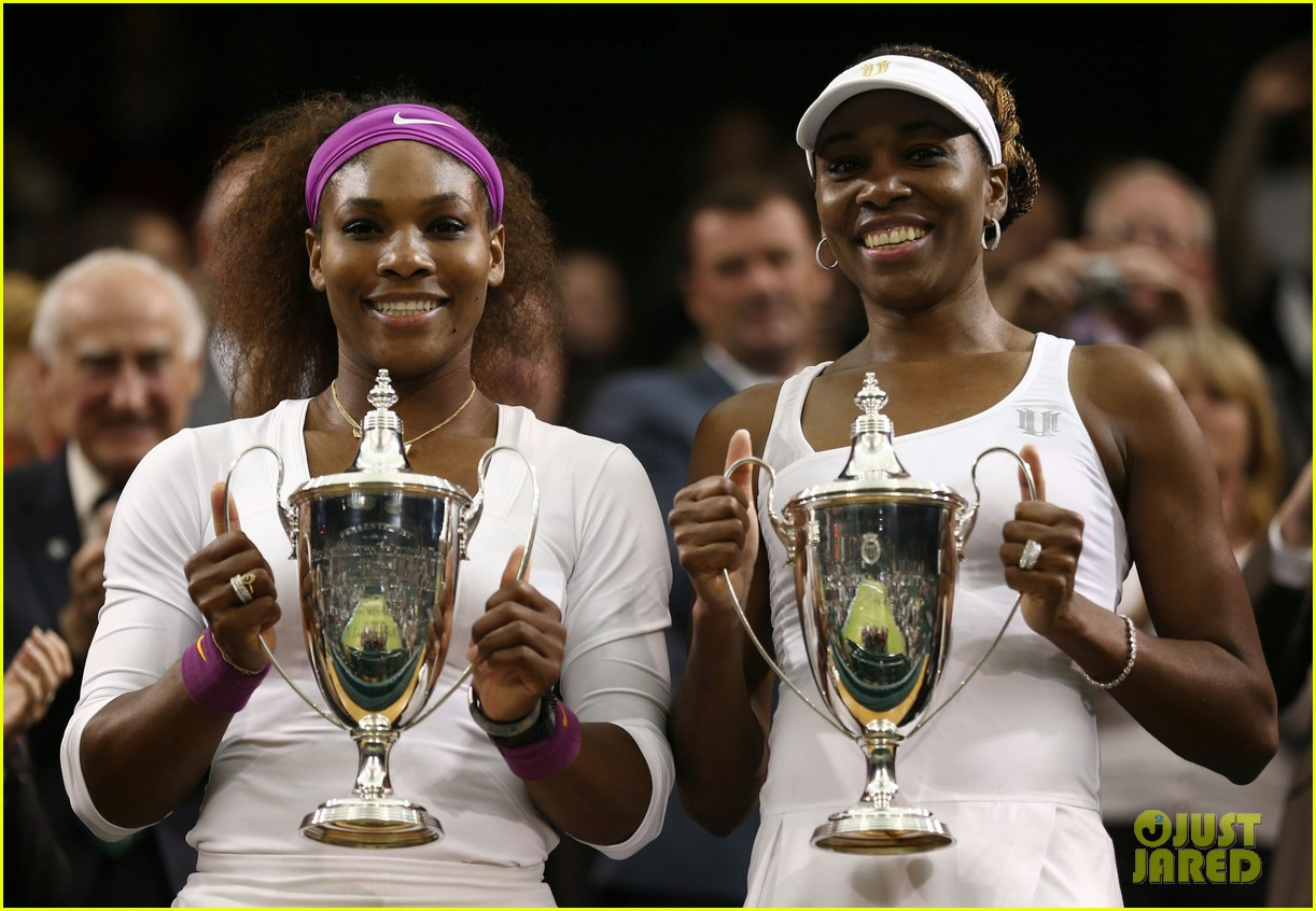 venus serena williams win wimbledon doubles crown 112684414